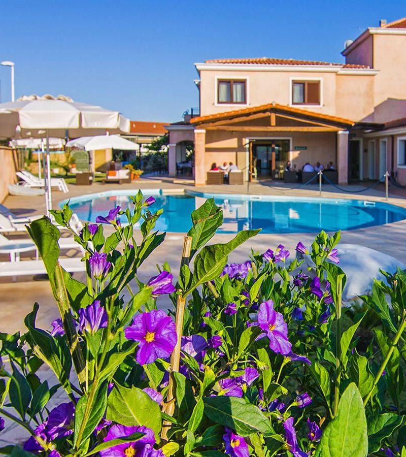 Der Pool Hotel La Perla